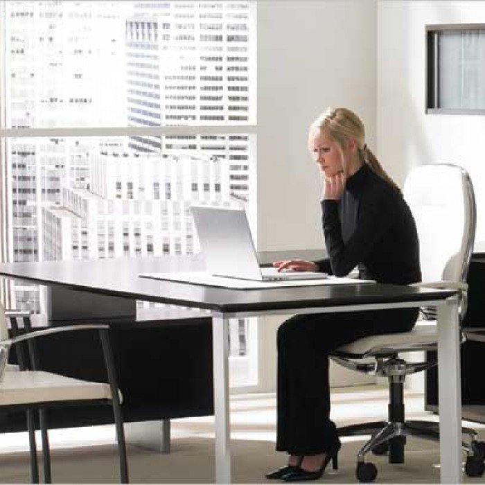 1-Mobilier de bureau-Tables-Teknion-Casegood-Photo Principale.jpg